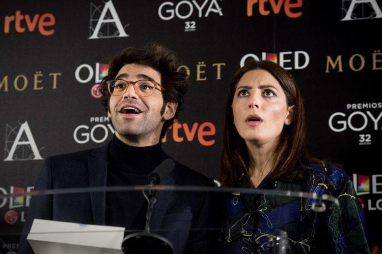 Los actores David Verdaguer y Barbara Lennie dan lectura a la lista de los finalistas de la 32 edición de los Premios Goya, seleccionadas entre más de 130 largometrajes y que se entregarán el próximo 3 de febrero. LA PRENSA/ EFE/ Luca Piergiovanni