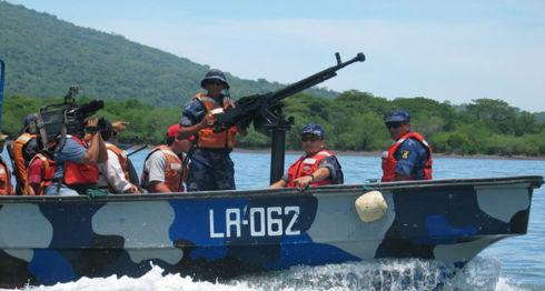 Fuerza Naval, buques, Ejército
