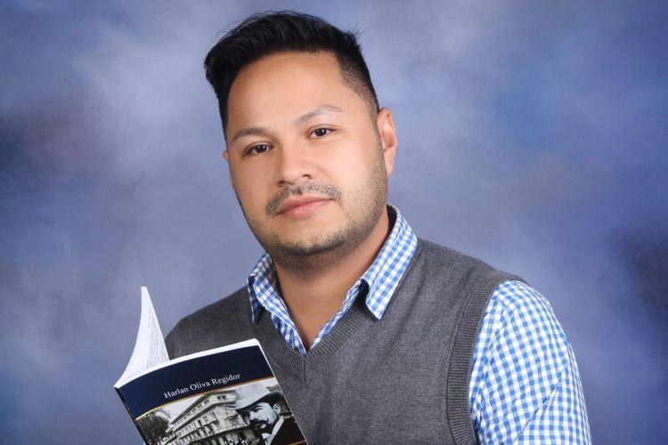 El escritor Harlan Oliva Regidor presenta Rubén Darío en Panamá-100 años después…, un nuevo libro que rememora las estadías del poeta nicaragüense en Panamá. LA PRENSA/Cortesía