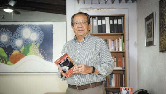 Edmundo Jarquín da a conocer la segunda edición conmemorativa Pedro Joaquín: ¡Juega!. LA PRENSA/Carlos Valle