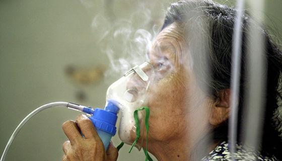 Médicos aseguran que en las próximas semanas podría haber repunte de enfermedades respiratorias como la bronquitis, influenza y neumonía. Asimismo, explican que ha habido más casos de tuberculosis. LA PRENSA/ ARCHIVO