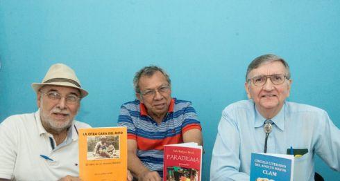 Guillermo Mejía Baltodano, Pedro Rodríguez Murillo y Frank Brachtl Tejada, dan a conocer la Editorial del Círculo Literario del Adulto Mayor y sus primeras dos publicaciones, Paradigma y Libros del Clam.