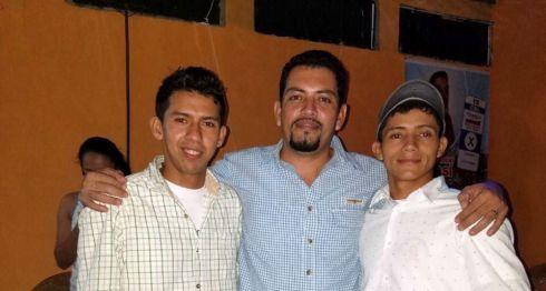 El activista político Nixan Zambrana, a la derecha de Erlis Torres, ex candidato a la alcaldía de San José de Bocay. LA PRENSA/ CORTESÍA