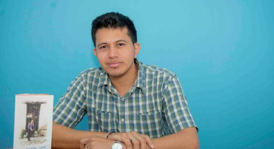El joven escritor Alexader Zosa Cano figura en la lista de los maestros más talentosos de educación secundaria que ostentan primeros lugares en Chontales y en Nicaragua. LA PRENSA/Carlos Valle