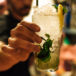 El motivo perfecto para dejar de beber licor: el alcohol da cáncer