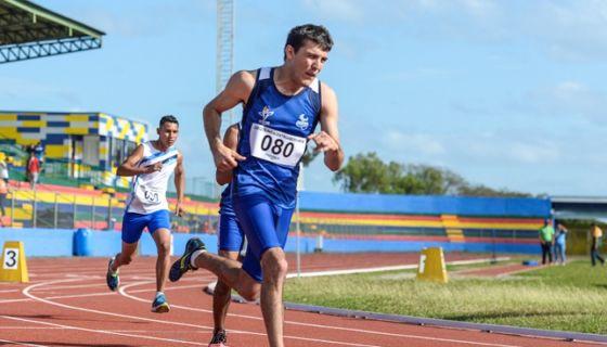 Gabriel Cuadra Holmann ganó el oro en los 800 metros planos T-38, en los Juegos Paracentroamericanos Managua 2018. LA PRENSA/WILMER LÓPEZ