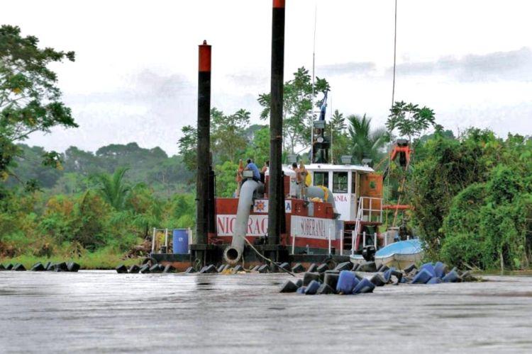 El dragado que dirigió Edén Pastora causó los daños ambientales que reclama Costa Rica. LA PRENSA/ ARCHIVO