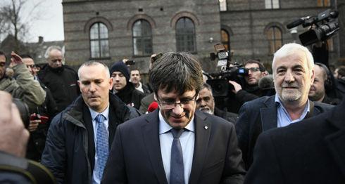 Carles Puigdemont, España, Cataluña