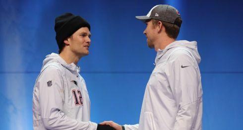 Tom Brady, con sus cinco anillos de campeón, y Nick Foles, quien inició la temporada como suplente, serán los mariscales de campo del Super Bowl 52. LA PRENSA/Elsa/Getty Images/AFP