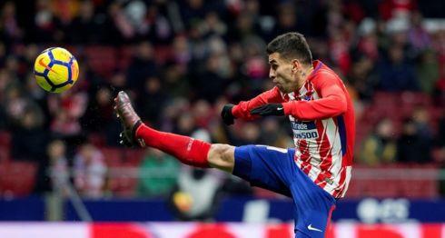 El delantero argentino Ángel Correa anotó el único en el partido entre el Atlético de Madrid y el Valencia. LA PRENSA/EFE/Rodrigo Jiménez