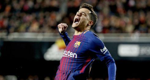El centrocampista brasileño del Barcelona Philippe Coutinho celebra su gol, primero del equipo frente al Valencia, durante el partido de vuelta de las semifinales de la Copa del Rey. LA PRENSA/EFE/Juan Carlos Cárdenas