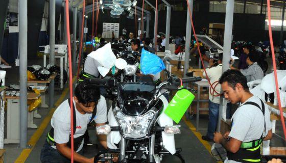 Grupo UMA, Bajaj, motocicletas, nuevos modelos
