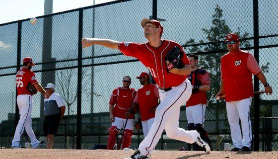 El comisionado de las Grandes Ligas, Rob Manfred, aprobó cambios en las reglas del beisbol para la temporada 2018. LA RPENSA/AP/Jeff Roberson