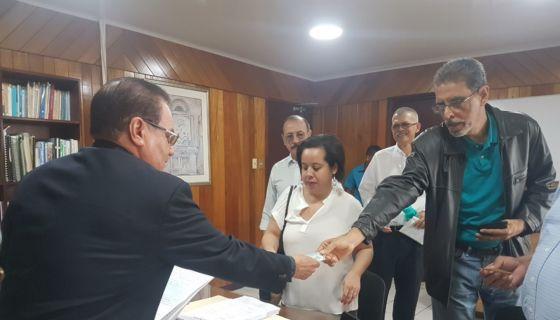 Directivos del MRS introducen un recurso por inconstitucionalidad por la conversión en deuda pública de los préstamos de instituciones con Caruna. Foto Cortesía