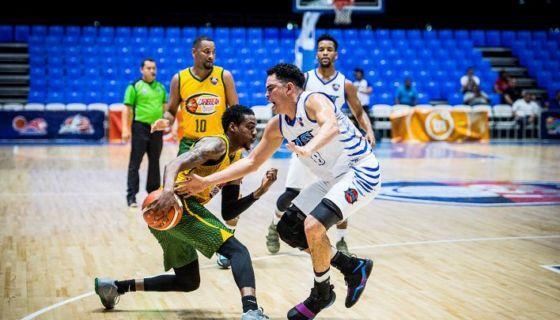 Costa Caribe intenta tomar el ritmo en la Liga Superior de Baloncesto. LAPRENSA/ CARLOS VALLE