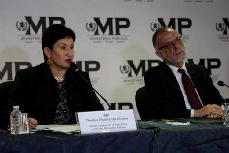 La exfiscal general de Guatemala, Thelma Aldana, y el titular de la Comisión Internacional Contra la Impunidad en Guatemala (Cicig), Iván Velásquez. LA PRENSA/ EFE