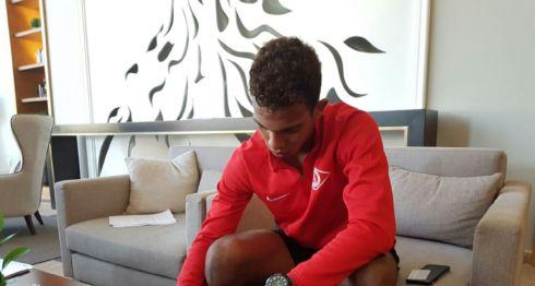 El nicaragüense Ariagner Smith firmó contrato multianual, aunque no precisó el monto del mismo. LA PRENSA/CORTESÍA