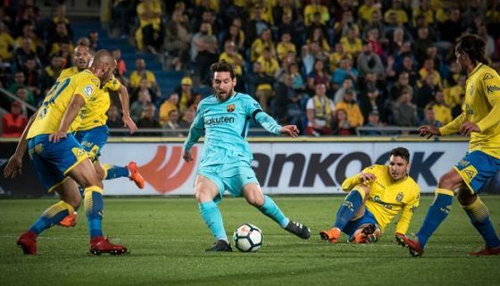 Aún con el gol de Lionel Messi, Barcelona no pudo ir más allá del empate ante Las Palmas. LA PRENSA/AFP/DESIREE MARTINC