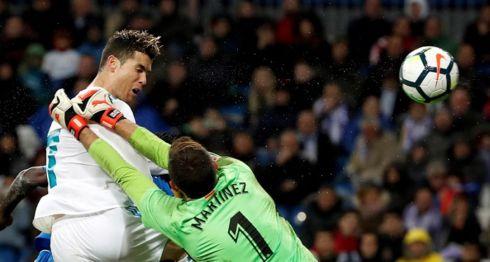 Cristiano Ronaldo remató de cabeza y anotó uno de los goles del Real Madrid ante el Getafe. LA PRENSA/EFE/Chema Moya
