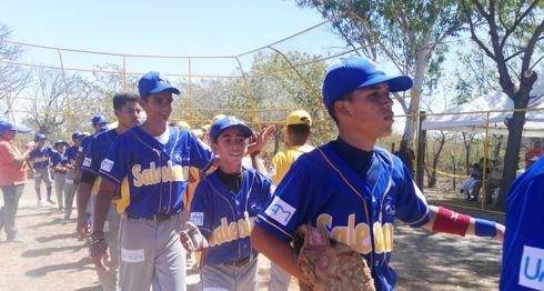 El Colegio Salesiano ganó el primer partido de la Perfect Game League en Granada. LA PRENSA/ROSA MEMBREÑO