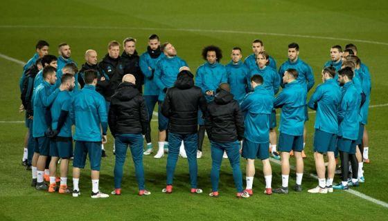 El Real Madrid luce favorito incluso para ganar el juego de vuelta ante el París Saint-Germain, este martes en octavos de la Champions. LA PRENSA/ EFE/Ian Langsdon
