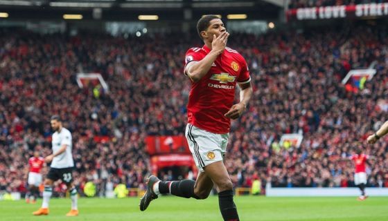 Marcus Rashford marcó un doblete para darle la victoria al Manchester United sobre el Liverpool. LA PRENSA/EFE/EPA/PETER POWELL
