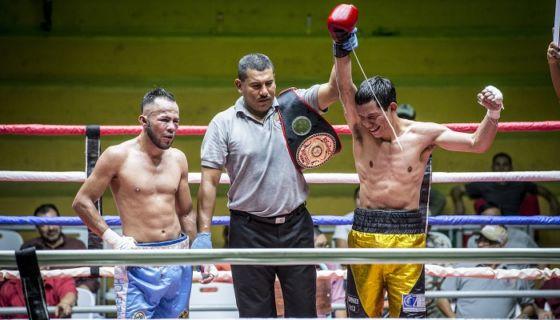Robin Zamora venció por decisión a Lester Lara y ganó el título Fedelatin de las 126 libras de la Asociación Mundial de Boxeo (AMB). LA PRENSA/CARLOS VALLE