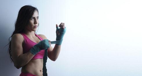A los 24 años, Yokasta Valle se convirtió en campeona mundial de boxeo en la categoría de peso átomo, 102 libras, de la Federación Internacional de Boxeo (FIB). LA PRENSA/ CORTESÍA/ LA NACIÓN / Mario Vega