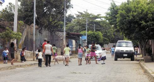 Las condiciones de pobreza empujan a casi el 50 por ciento de los jóvenes de Nicaragua a pensar en migrar en el futuro. LA PRENSA/ARCHIVO