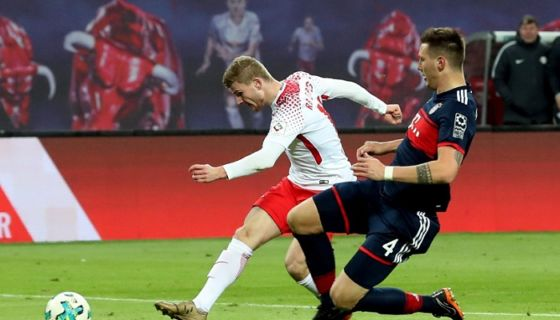 Timo Werner anotó el gol con el que el Leipzig derrotó al Bayern de Múnich este domingo en la Bundesliga. LA PRENSA/EFE/EPA/FELIPE TRUEBA