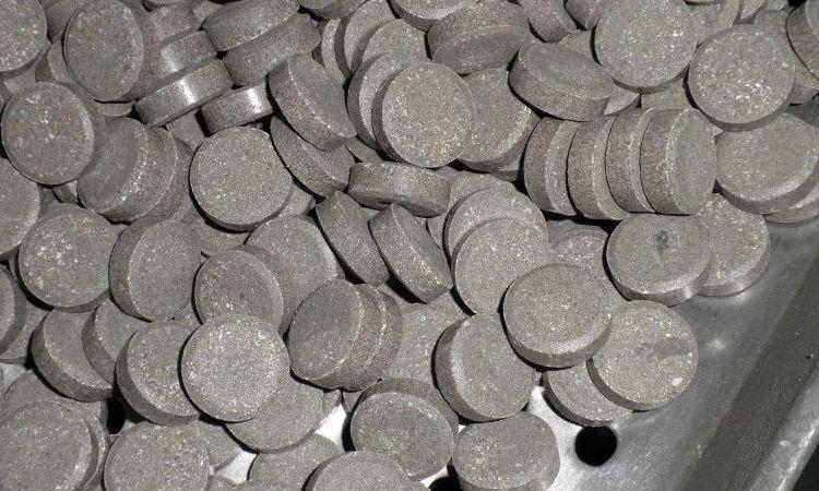 Estas son las pastillas de fosfuro de aluminio, las que habría introducido el detenido a su exesposa.