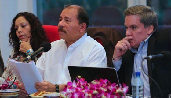 José Adán Aguerri, presidente del Cosep junto a Daniel Ortega y Rosario Murillo. LA PRENSA/ ARCHIVO