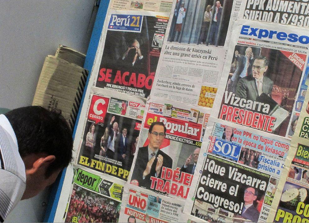 Estas fueron las portadas de los periódicos de Perú informando sobre la renuncia de PPK. LA PRENSA/ EFE
