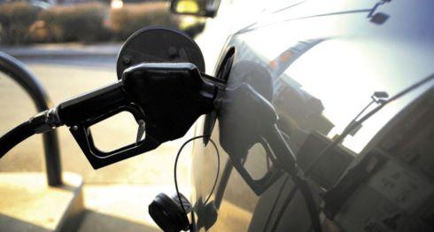 Consumidores se sienten asfixiados por los precios de los combustibles que se ha mantenido altos pese a que a nivel internacional han habido bajas. LA PRENSA/ ARCHIVO/ BLOOMBERG