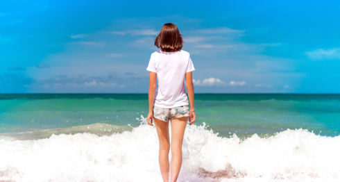 short, mujeres, playa, verano