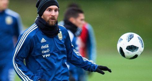 Lionel Messi dice estar recuperado de una molestia muscular y por ello jugará ante España. LA PRENSA/EFE/ Peter Powell