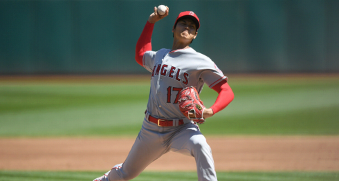 El japonés Shohei Ohtani se quedó con el premio a Novato del Año de la Liga Americana en las Grandes Ligas, por la combinación de sus cifras tanto de lanzador como bateador. LA PRENSA/ARCHIVO