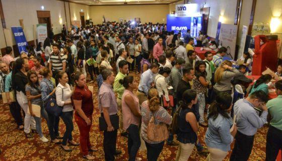 La Cámara de Comercio Americana de Nicaragua (AmCham) realiza la quinta feria de empleo con empresas afilidas donde ofertan diversos puestos. La feria se realiza en el hotel Holiday Inn donde participaron cientos de personas en busca de una oportunidad de empleo. Jader Flores/LA PRENSA