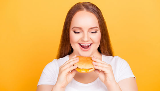 El estrés engorda al igual que una hamburguesa, dice una investigación