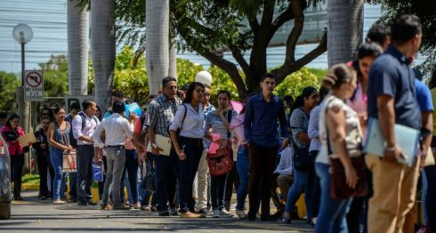 Feria de empleo organizada por Amcham Nicaragua ,donde diferentes empresas participaron para entrevistar a cientos de Nicaragüenses. LA PRENSA/Wilmer López