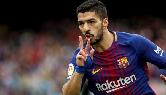 Luis Suárez anotó el primero de los dos goles con los que el Barcelona derrotó al Valencia. LA PRENSA/EFE/ Andreu DalmauC