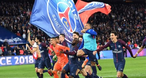El París Saint-Germain celebró su séptimo título en la Ligue 1 de Francia. LA PRENSA/AFP / CHRISTOPHE ARCHAMBAULT