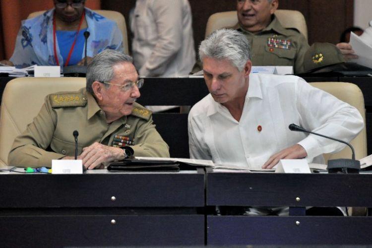 Raúl Castro, Miguel Díaz Canel