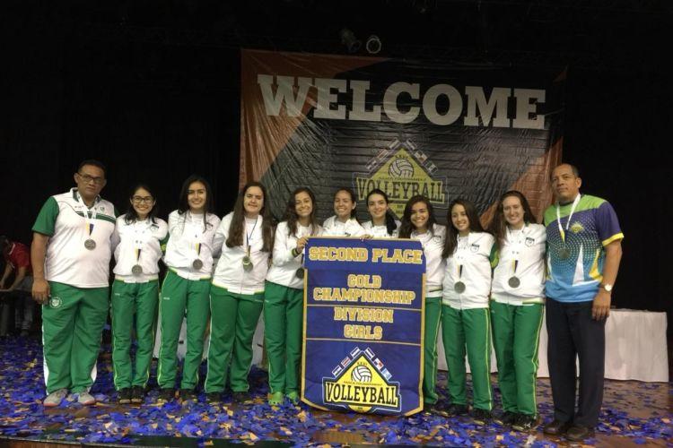 El equipo de voleibol femenino del Colegio Americano Nicaragüense ganó medalla de plata en el torneo AASCA. LA PRENSA/CORTESÍA/ANS