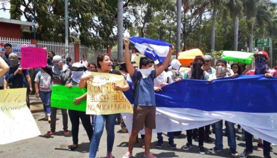 Estudiantes de la UPOLI también se unieron a las protestas pacíficas por las reformas al INSS. LA PRENSA/ Martha Vásquez