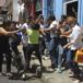 Ciudadanos que protestaban por reformas al INSS resultan agredidos por turbas orteguistas en León