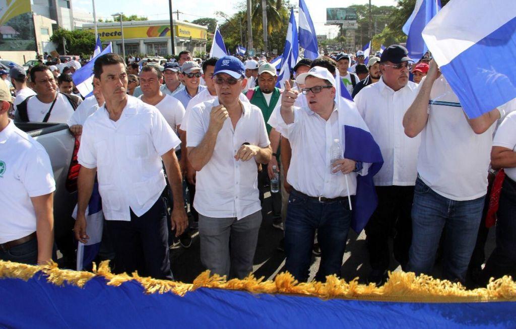 Los empresarios aglutinados en Cosep, Amcham y Conimipyme en la marcha por la paz en Nicaragua. LA PRENSA/ CORTESÍA COSEP