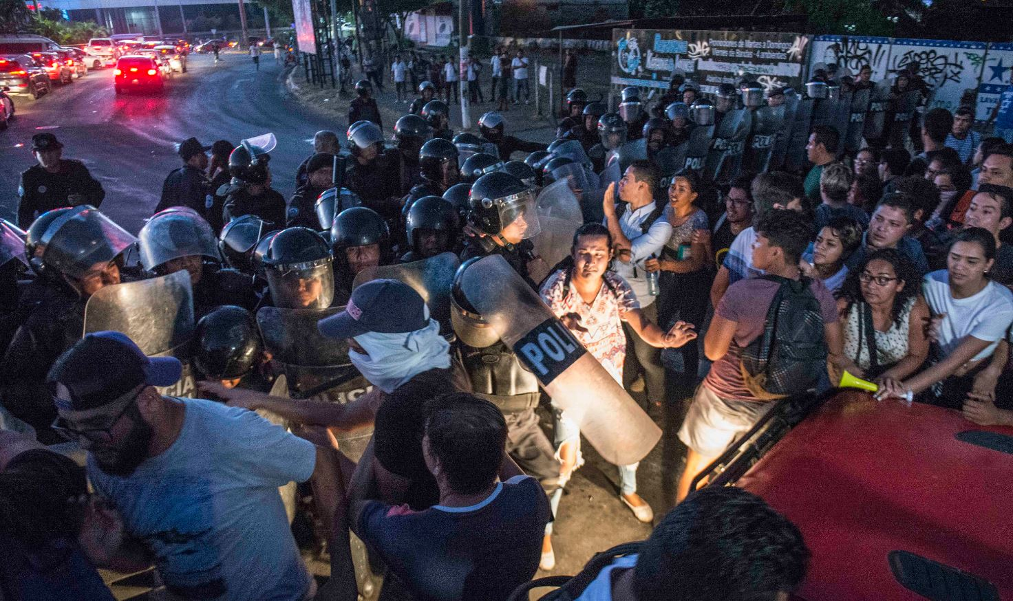 Resultado de imagen para Reportan 100 detenidos en Panamá tras protestas contra reformas
