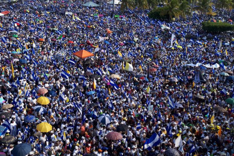 Decenas de miles de nicaragüenses marcharon por una Nicaragua diferente este sábado 28 de abril. LA PRENSA / Óscar Navarrete