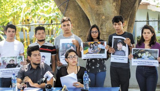 Los jóvenes que lideran las protestas demandaron participación y cobertura abierta de los medios de comunicación nacionales e internacionales en el diálogo nacional. LA PRENSA/O. NAVARRETE